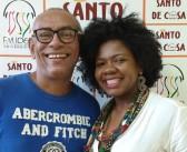 Santo de Casa recebe o produtor de eventos Airton Ferreira e a cantora Andréa Frazão