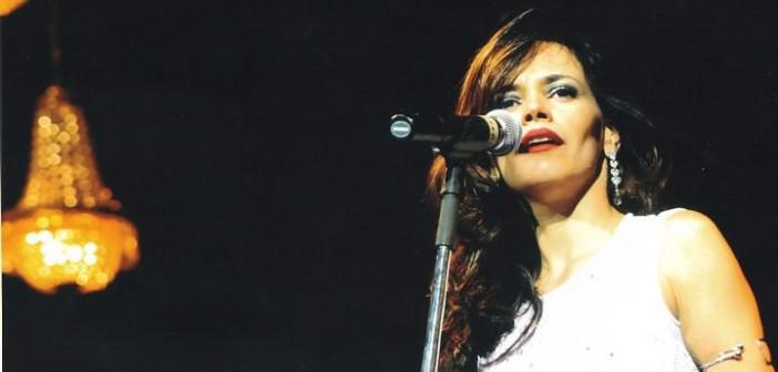 """O Santo de Casa recebe a cantora Cecília Leite para falar sobre sua turnê """"Enquanto a Chuva Passa"""""""