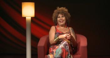 """Rita Benneditto conversa sobre música, arte e carreira no programa """"Profissões"""""""