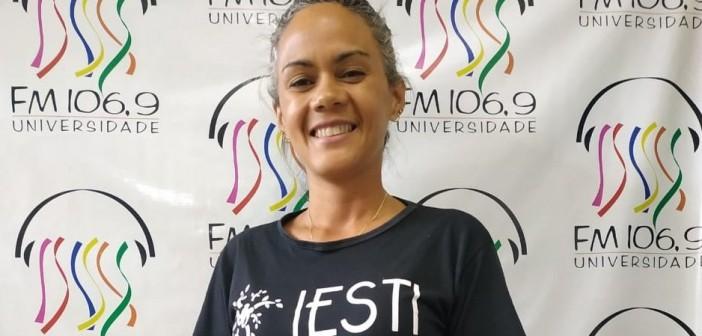 Santo de Casa recebe Camila Santos para falar sobre o Instituto de Estudos Sociais e Terapias Integrativas (IESTI)